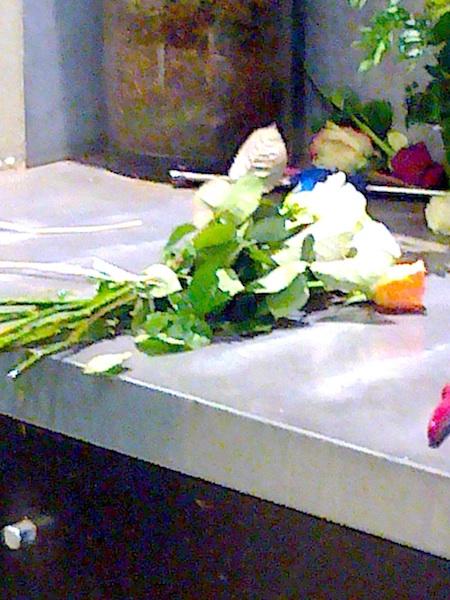 bureau #23 roses