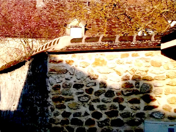 Vernoux mur ombre 3