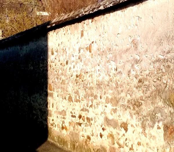 Vernoux mur ombre