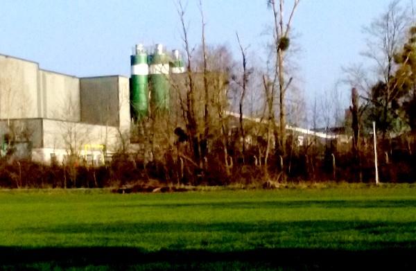 usine au loin 3