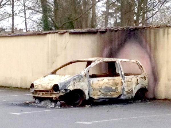voiture brûlée st mammès 3