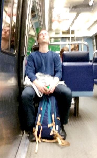 dormir dans le métro 6 juin 16
