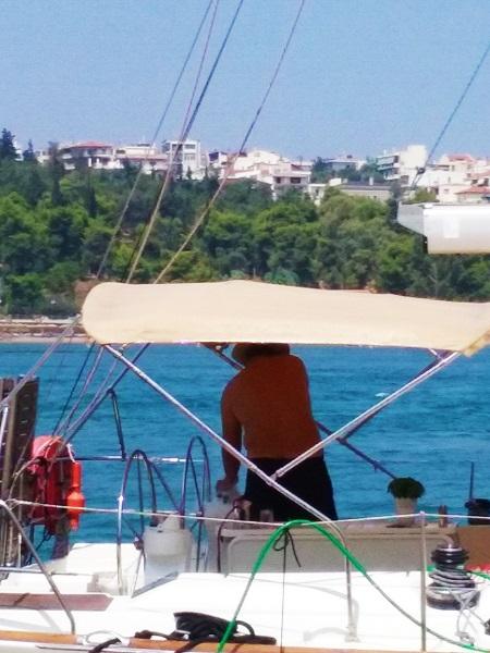 chalkis-nettoie-son-bateau-2