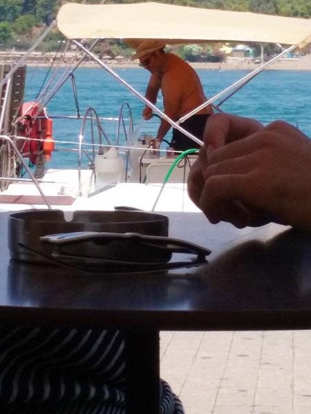 chalkis-nettoie-son-bateau