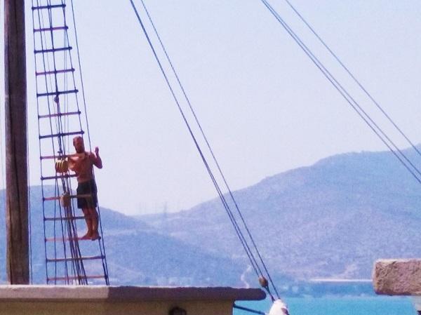 chalkis-port-voilier-2-homme
