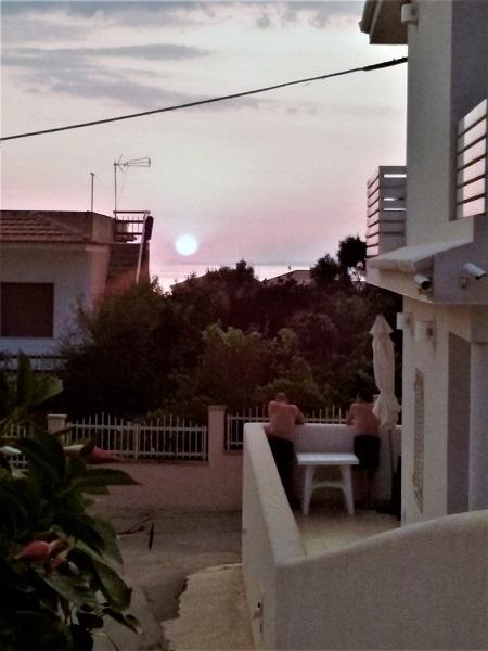 deux-devant-le-coucher-de-soleil