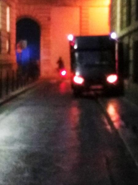 rue-du-soir-camion-lumiere